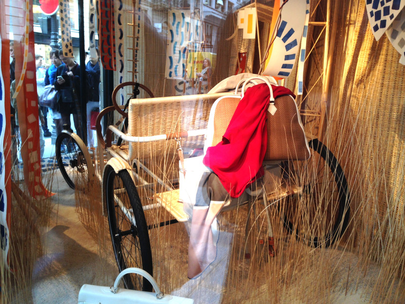 Hermès La Rosalie Exhibited in the window of the main parisian store (rue du Faubourg Saint-Honoré)  during the whole summer 2015