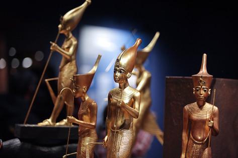 king-tut-golden-figures-02.jpg