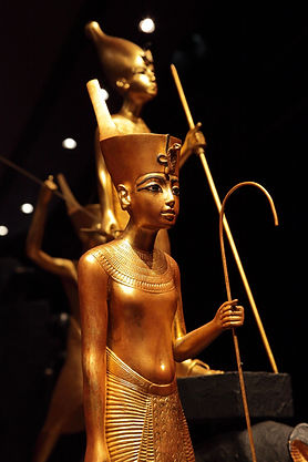 king-tut-golden-figures-03.jpg