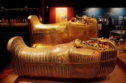 king-tut-golden-mummy-cases-03
