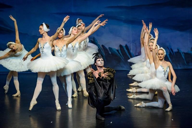 Selectie-Swan-Lake-Royal-Moscow-Ballet-2