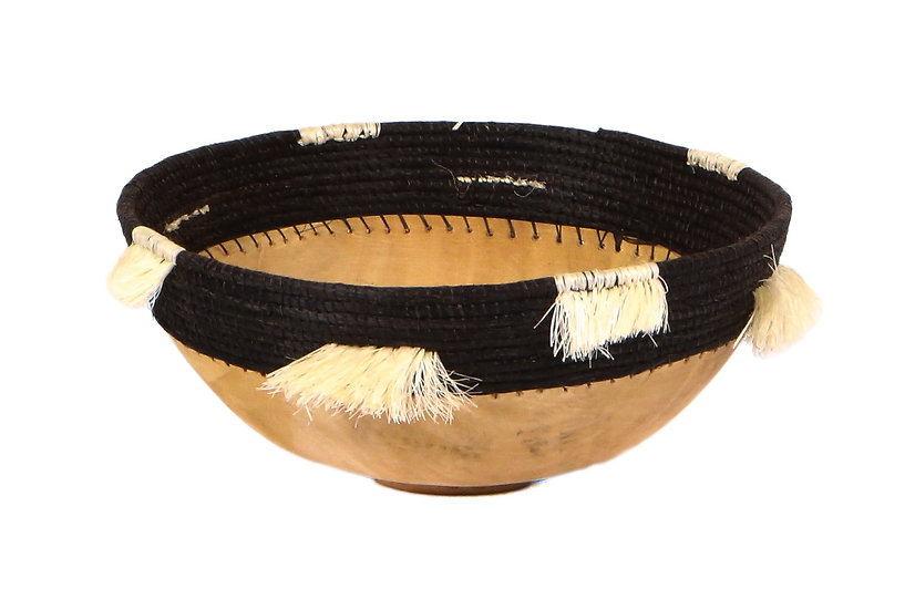 "8"" Medium Fringed Black Wooden Bowl"