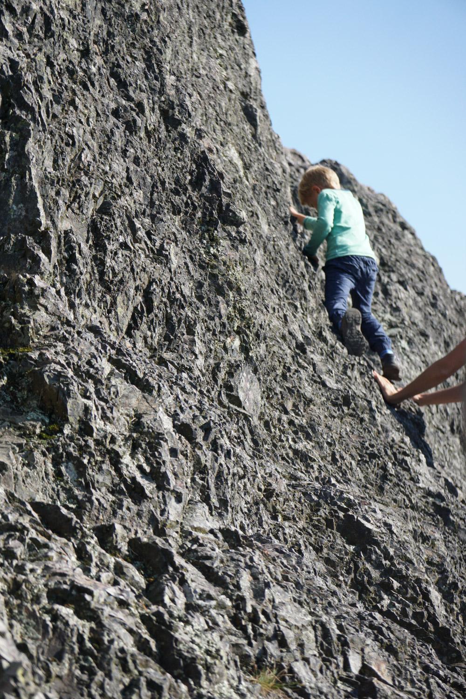 Karlsruher Grat - Kid climbing
