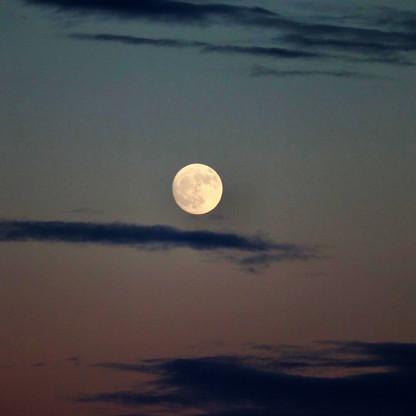 moonsky1.jpg