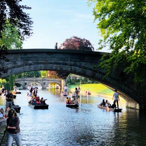 Cambridge City Centre - punting