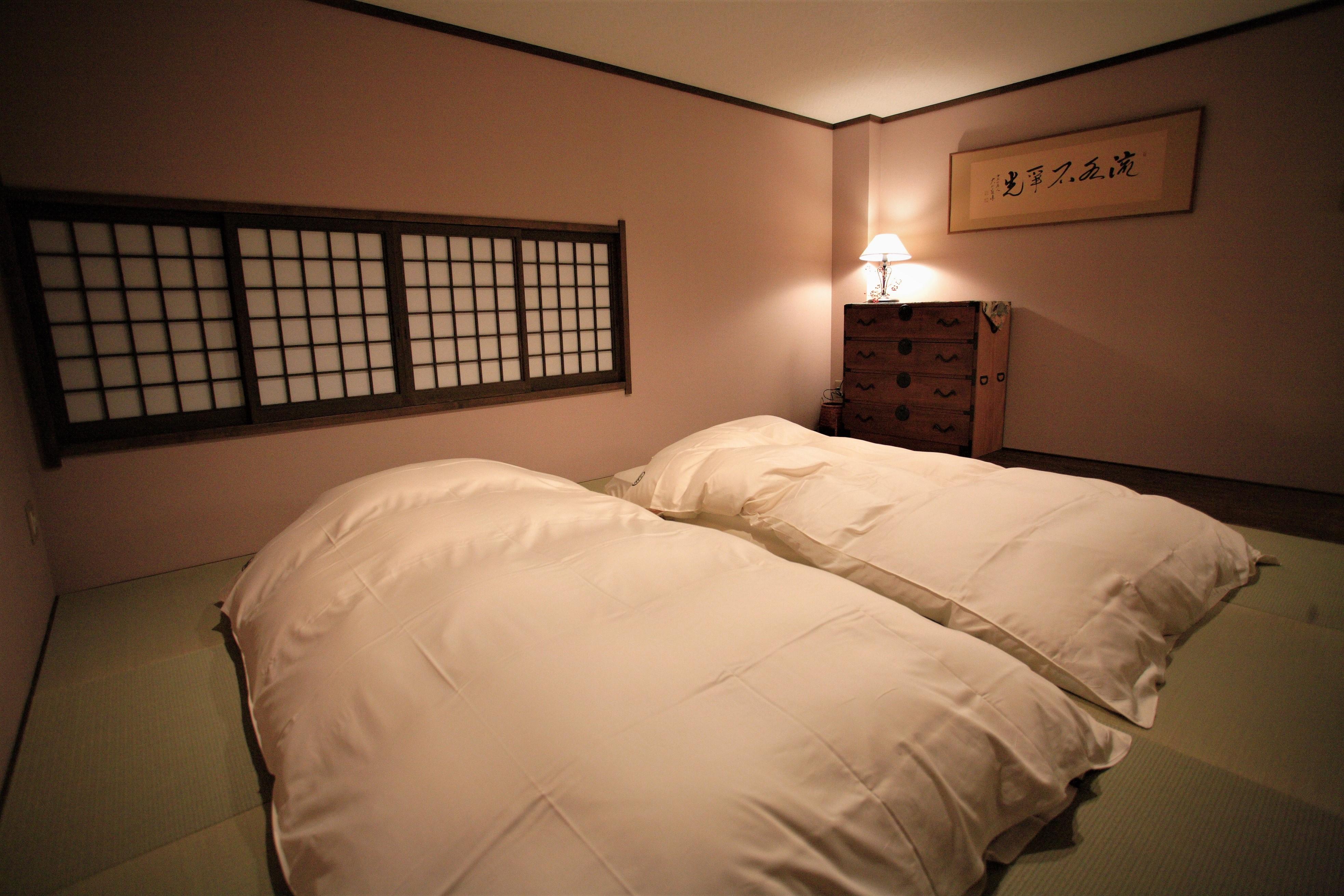 【十六日桜】寝室