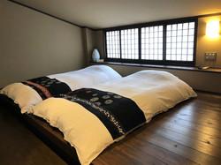 【緋の蕪】寝室