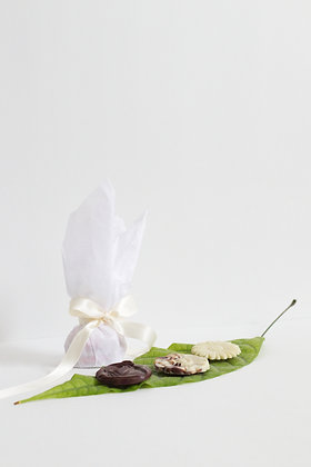 Pack of 5 chocolate flowers
