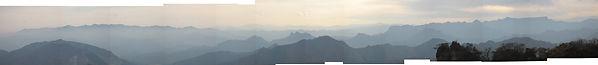 妙義山大砲岩遠望パノラマw.jpg