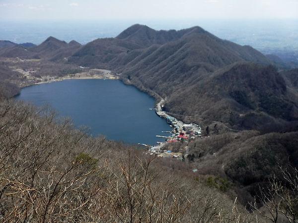 20200406_掃部ヶ岳と杏ヶ岳02.jpg