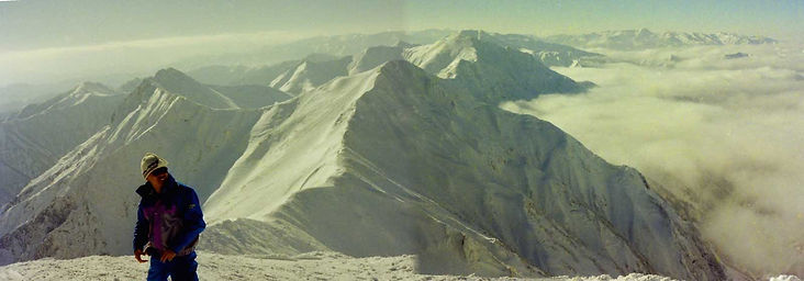 厳冬の谷川岳主稜線パノラマw.jpg