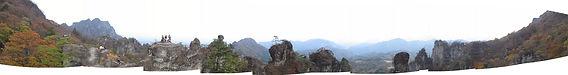 妙義山大砲岩近望パノラマw.jpg