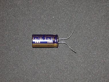 電気二重層キャパシタ2.50V_1.jpg
