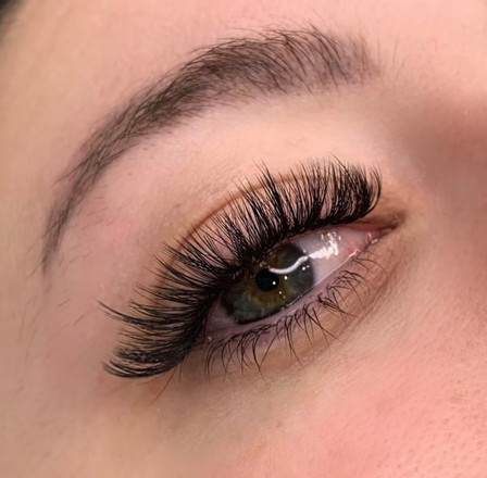 textured volume lashes