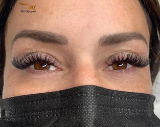 hybrid mix with more volume cat eye long lashes