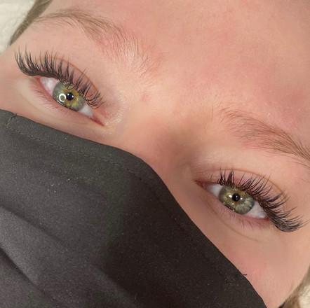 natural cat eye hybrid lashes