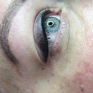Combo Lash Liner + smokey eyeliner with added shadow/stardust for a smokey look (additional charge may applied)