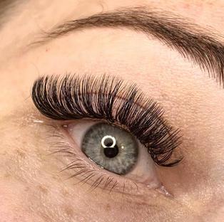volume lashes D curl cat eye