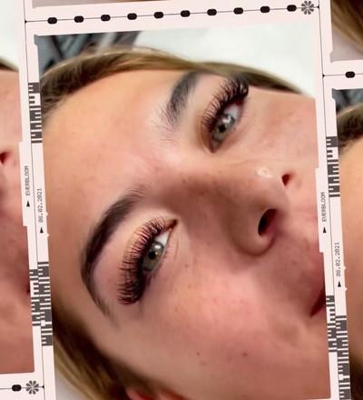hybrid/volume lashes