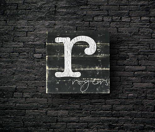 9: Monogram Simple & Clean