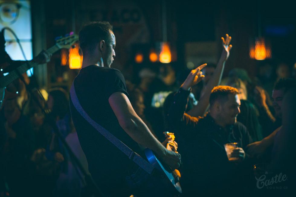 Guitarist at Jason Aldeans