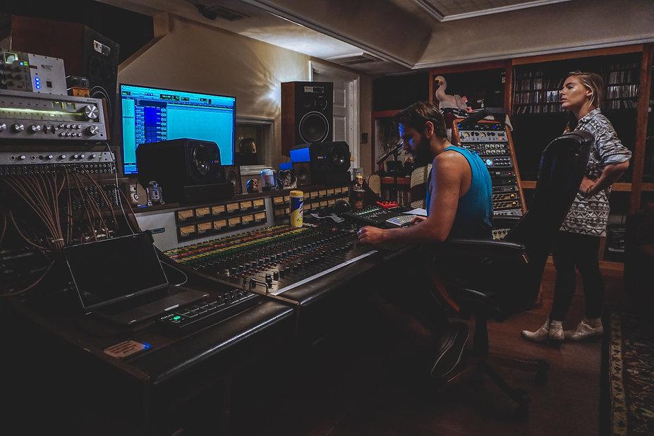 Nashville-Recording-Studio-Shuffle.jpg