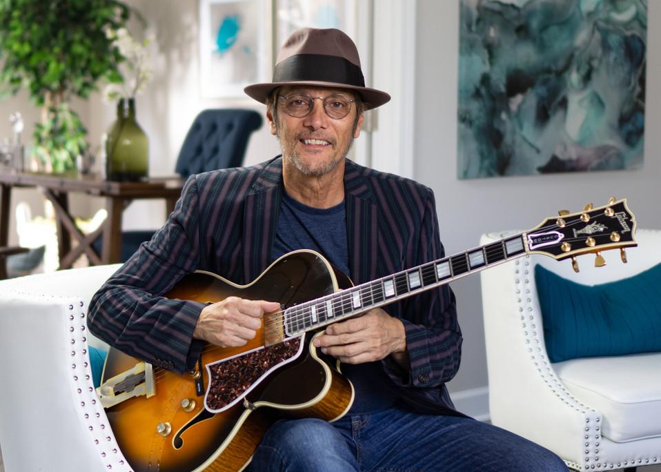 Mike Pachelli - Guitar