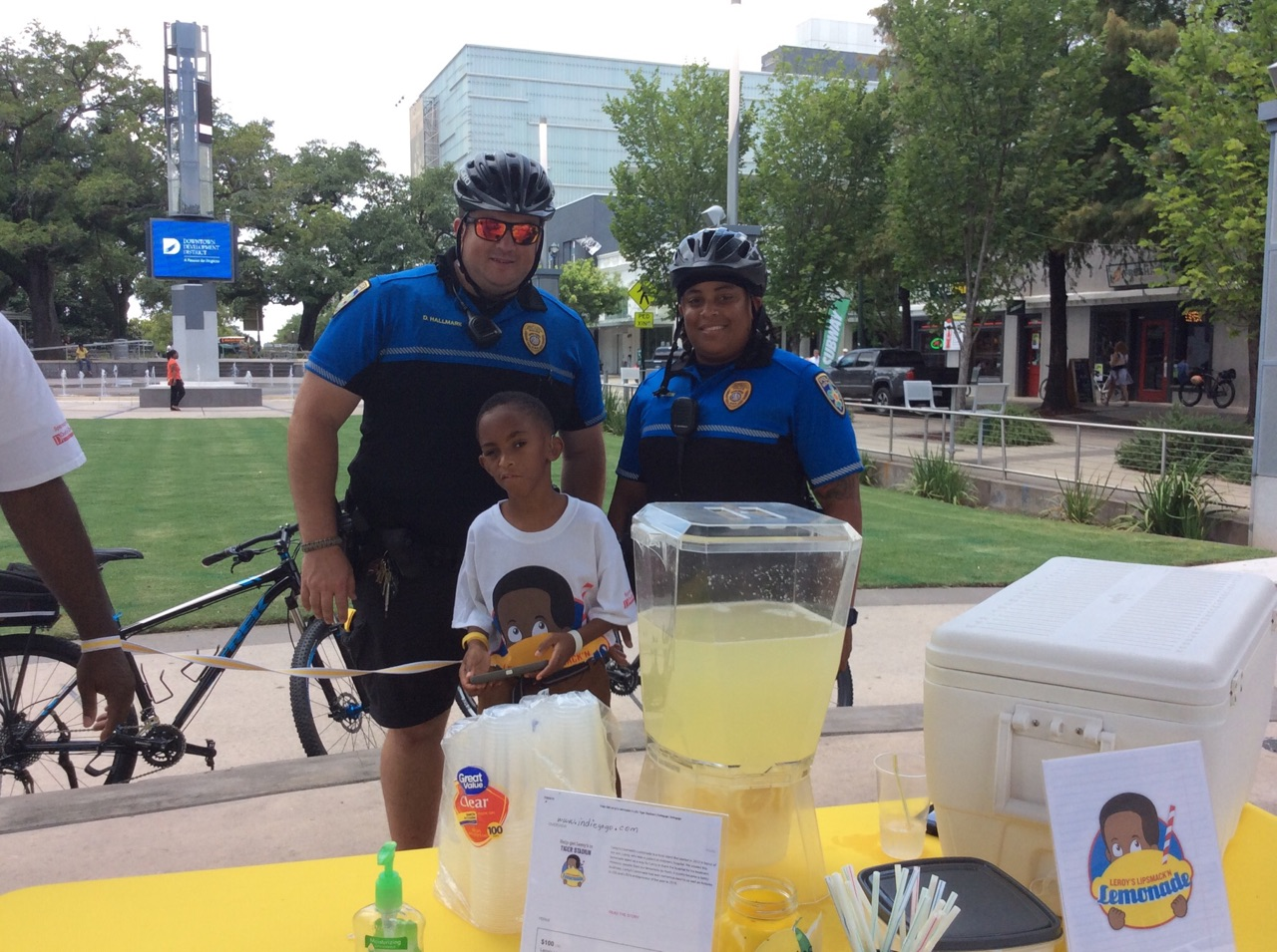 Free Lemonade for Law Enforcement