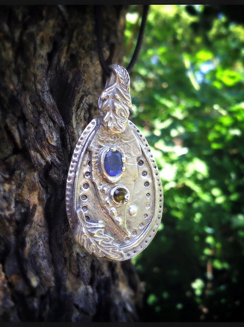 Fine Silver Pendant with Labradorite and Peridot