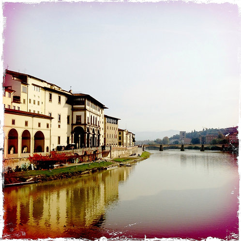6. 20x20 Villa along the Arno River, Florence, It