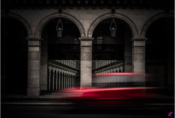 Urban Red par ©Nathalie Hamm Bellion