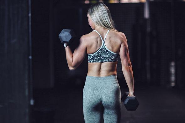 Vegansk personlig træner, online forløb, online træningsforløb, kostplan, træningsprogram, vegetar, plantebaseret, vægttabsforløb