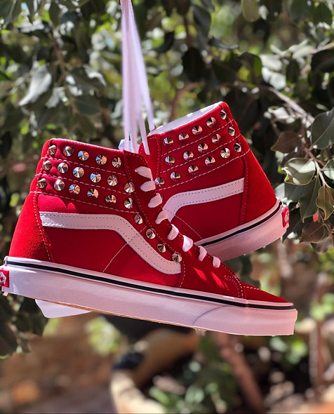 SK8 RED STUDS