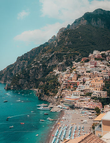 The%20beautiful%20beach%20of%20Positano%2C%20Italy_edited.jpg