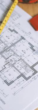 floor-plan-on-table-834892.jpg