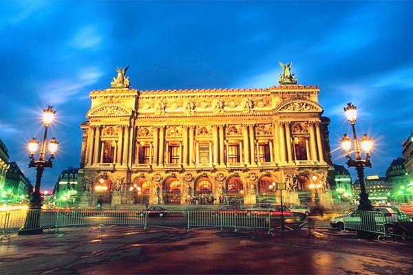 Garnier-Opera-Paris-night.jpg
