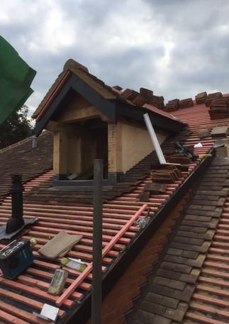 Roof dormer window
