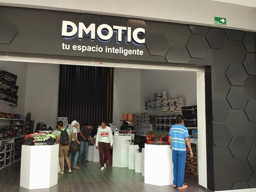 DMOTIC//Store