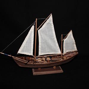 kleines Modell Fischerboot