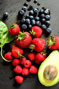 Triple-Berry-Summer-Salad-07_mini