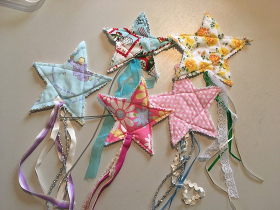 Fabric, feelings and fidget stars! Reflections on the emotional use of textiles in social work