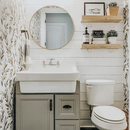 9 Farmhouse Bathrooms We're Obsessed Wit