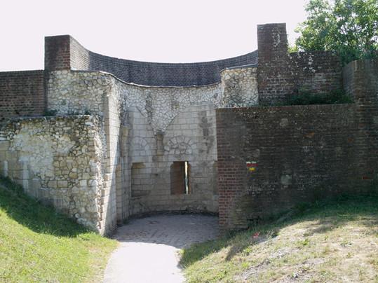 Montreuil-sur-Mer-Poste-garde-des-remparts