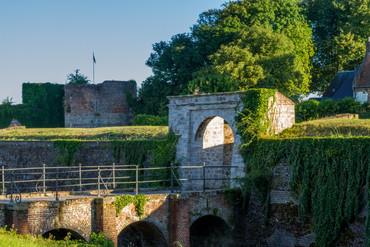Montreuil-sur-Mer-L-Entrée-de-la-Citadelle