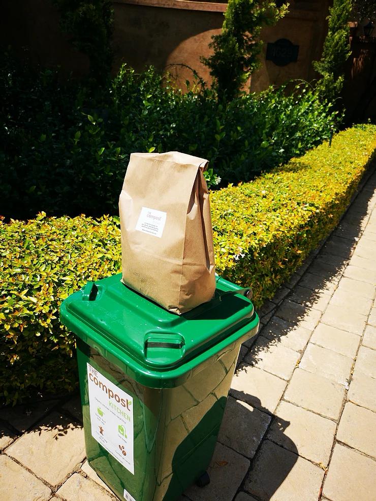 The Compost Kitchen Organics Waste Bin & Vermicompost