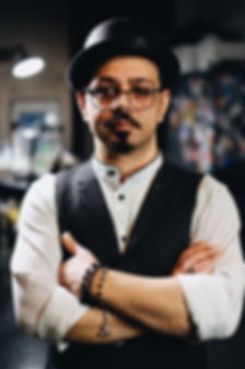 Mehdi Brokentoothtattoo Köln Tätowierer Realistic Black and White Tattoo