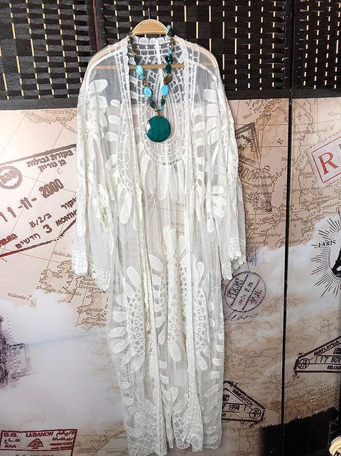 Bello Kimono Blanco Abierto