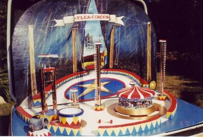 Classic Indoor Flea Circus!
