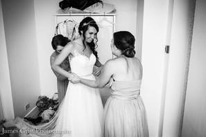 Bridal onesided up-do, Bridemais classic nape bun