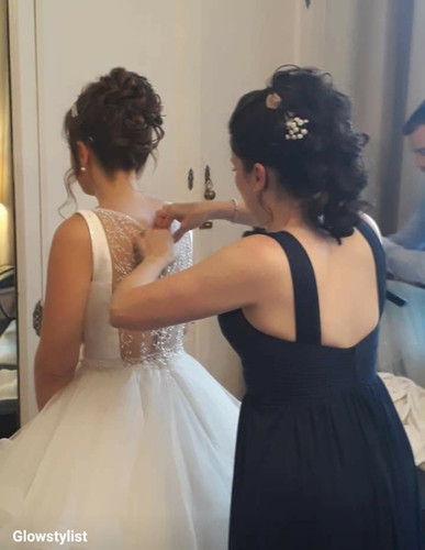 Back view of bride and sister
